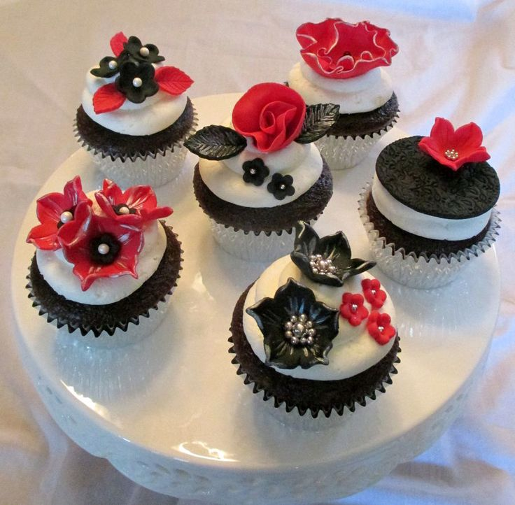 Cupcake Art Pinterest White Cupcakes Red Black And