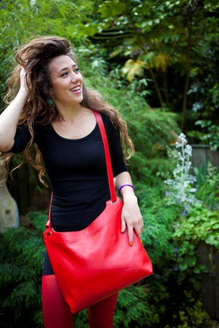 The red Maxi Pop Up from www.brightcolours.co.uk