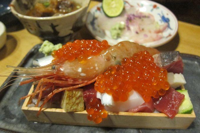 あのウニが和牛に巻かれているなんて贅沢すぎる!そんな人々の想像を超えた極上のコラボレーション、「ウニの肉巻き」が、いま美食家の間で密かに流行りつつあるんです!今回はこの「ウニの肉巻き」が食べられる東京都内の「ウニ肉巻き」専門店を紹介しちゃいます!