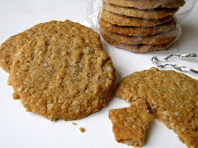 Hobnobs    2 cups quick-cooking oats 1¼ cups whole wheat flour 1 teaspoon baking powder ¾ teaspoon fine sea salt ½ cup light brown sugar ½ c...