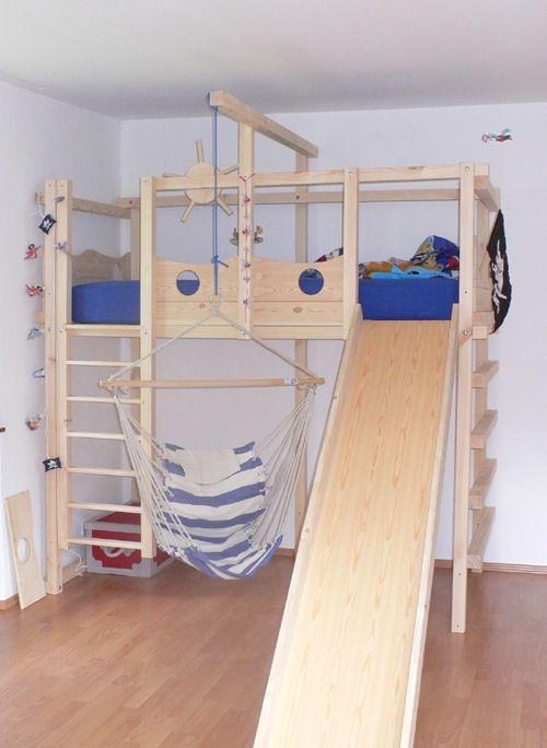 Pin by Mira Mirova on bett selber bauen  Abenteuerbett Hochbetten kinderzimmer Kinder bett