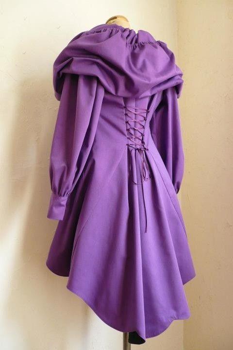 trench violet capuche conte de fées