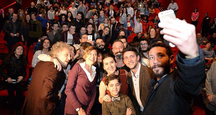 Bursa'da Bir İlk! Cem Yılmaz ve İftarlık Gazoz Film Ekibi PodyumPark'ta Bursalılar ile Bir Araya Geldi   Weekly http://weekly.com.tr/bursada-bir-ilk-cem-yilmaz-ve-iftarlik-gazoz-film-ekibi-podyumparkta-bursalilar-ile-bir-araya-geldi/