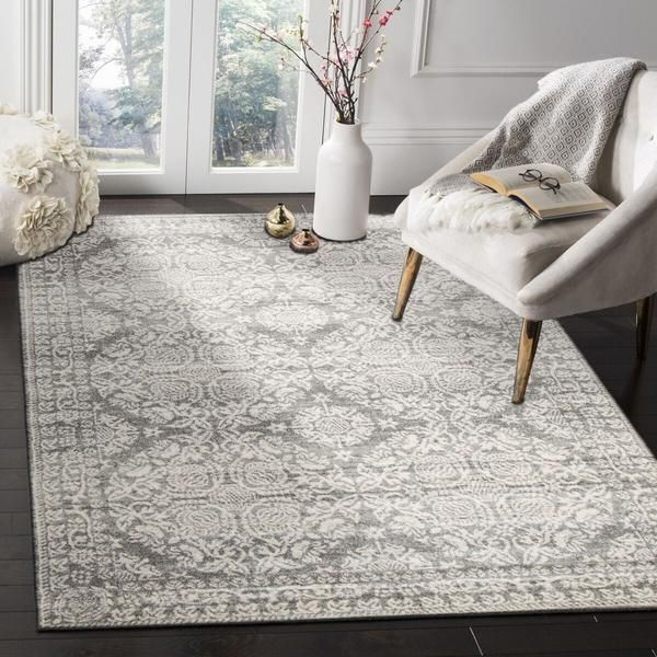 The Manisa 758 Silver Grey Patterned Transitional Designer Rug is a lovely neutral coloured modern rug with traditional patterning: