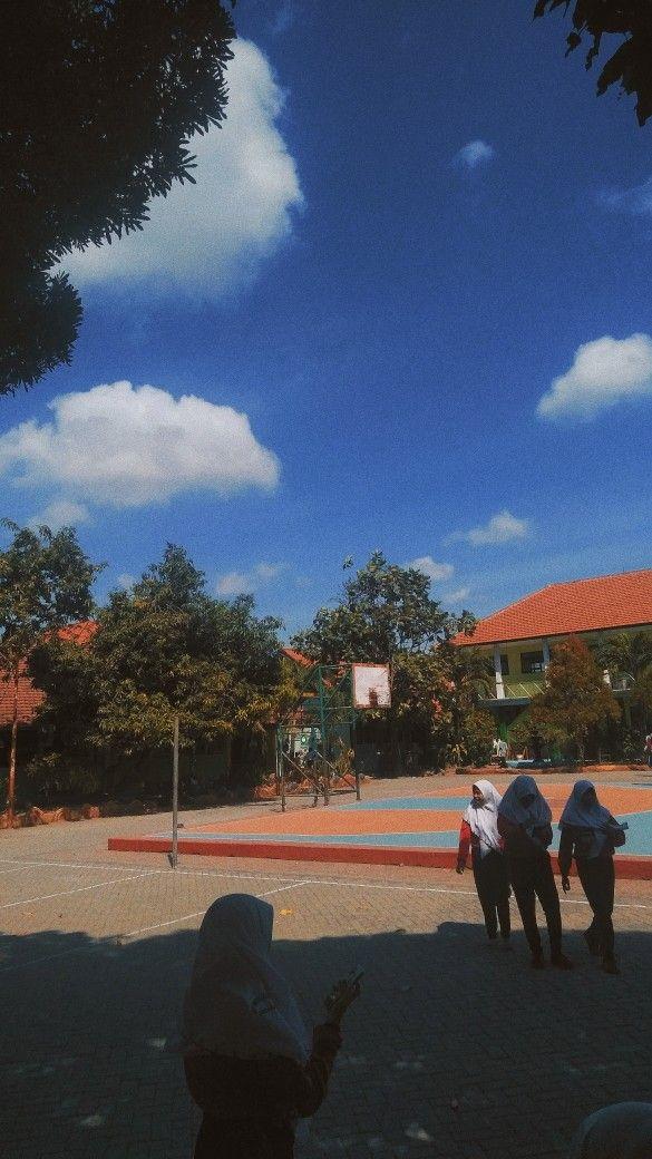 Lapangan Sekolah Latar Belakang Pemandangan Foto Alam
