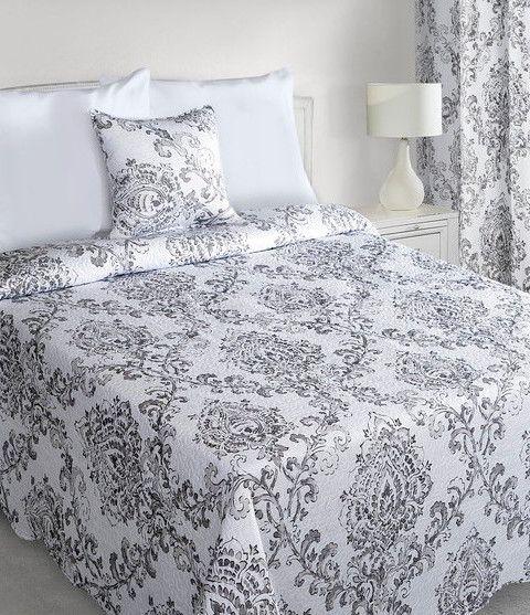 biele-obojstranne-prikryvky-na-postel-s-ornamentami