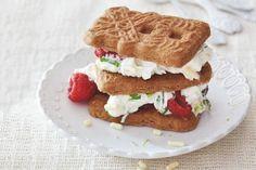 Snel dessert voor pakjesavond. 10 minuten in de keuken, meer niet - Recept - Allerhande