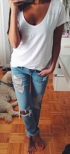plain white tee and some ripped jeans. Classic