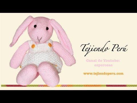 Video 4 de 7 de como tejer un conejo amigurumi de agujas (Orejas)