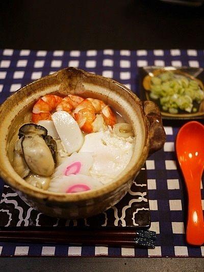 牡蠣鍋は味噌が決め手!おすすめレシピをご紹介♪|CAFY [カフィ] 味噌味のラーメンスープで作る「簡単牡蠣鍋焼きうどん」