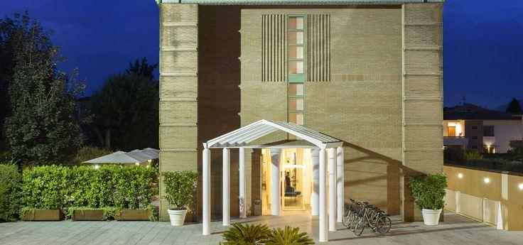Anche l'Amico Cliente Hotel San Marco Lucca appoggia la filosofia 🌿 Go Green di #Alfera! Per i suoi ospiti propone una Linea Cortesia personalizzata, con materie prime provenienti da coltivazioni Eco-Biologiche di origine vegetale, esclusivamente Made in Italy. Benvenuto!