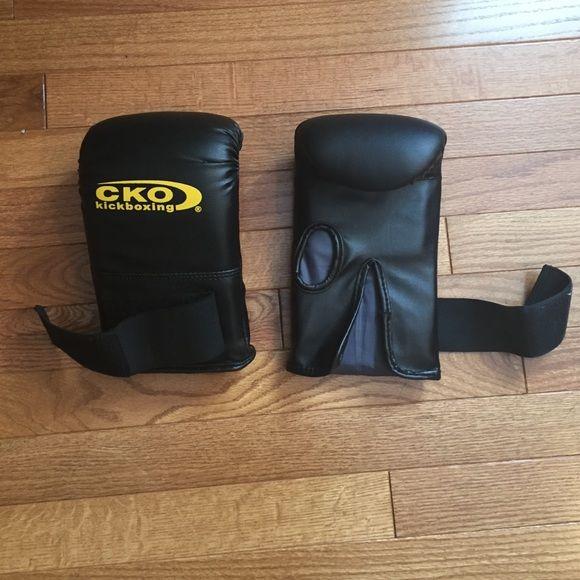 CKO basic kickboxing gloves CKO basic kickboxing gloves size medium- used once CKO Accessories Gloves & Mittens