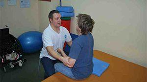 Specjalizujemy się w takich zabiegach jak: rehabilitacja w urazach czaszkowo-mózgowe, neurologiczna kraków, porażenie nerwu twarzowego , rehabilitacja w urazach rdzenia kręgowego, fizjoterapia kraków, rehabilitacja przy niedowładach, rehabilitacja po zatrzymaniu krążenia, rehabilitacja kraków, rehabilitacja neurologiczna,rehabilitacja, rehabilitacja funkcjonalna kraków.
