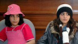 'Uitgehuwelijkte kinderen onderweg naar Ter Apel'   NOS
