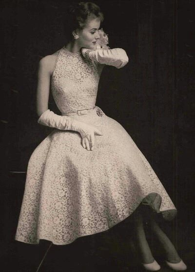 1954- 1950s white lace dress