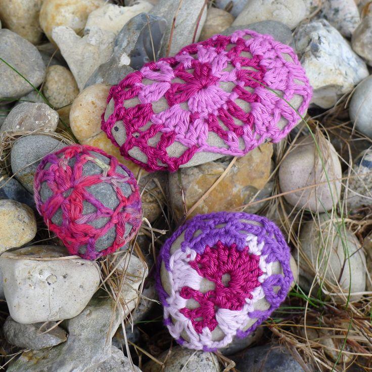 Yarn bombing stone