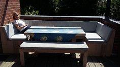 Diese Douglasie U Bank Schafft Extra Viele Sitzplätze Um Ihren Gartentisch  Und Lädt Familie,
