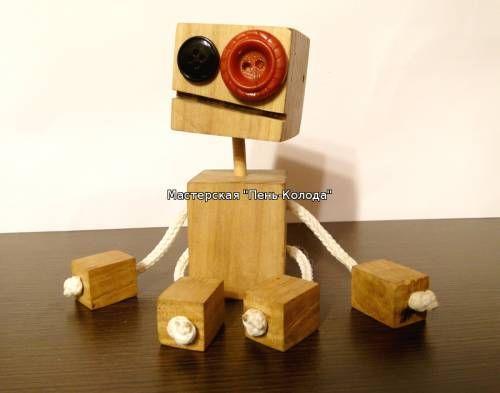 Робот из дерева. Wooden robot.