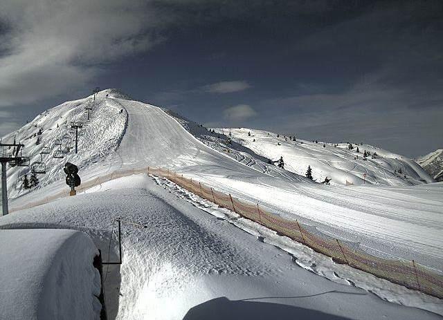 Panoramica slope in Paganella. snow sun magicplaces trentino