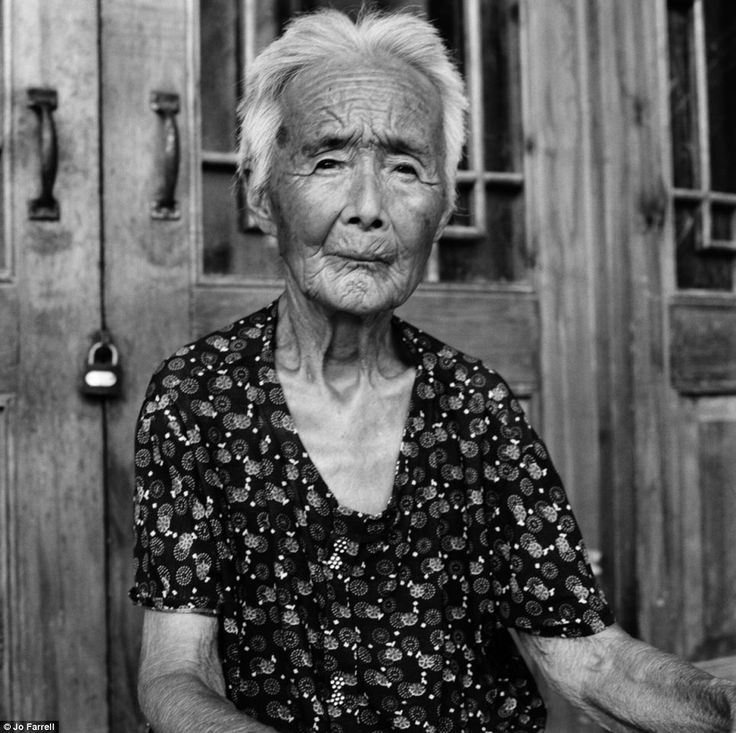 The last living Chinese women with bound feet more than 100 years after the centuries-old symbol of beauty and status was banned