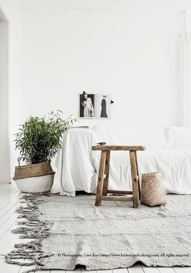 How are you using your natural basket or are planning to use it once you get yours? Here are five inspiring and practical ways of using it…. 1/ As a planter I love how talented Stylist and Photographe