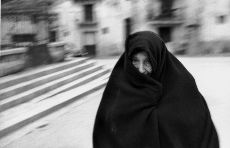 Ferdinando Scianna - Italy, Sicily, Bagheria:Old woman with her shawl. 1962.