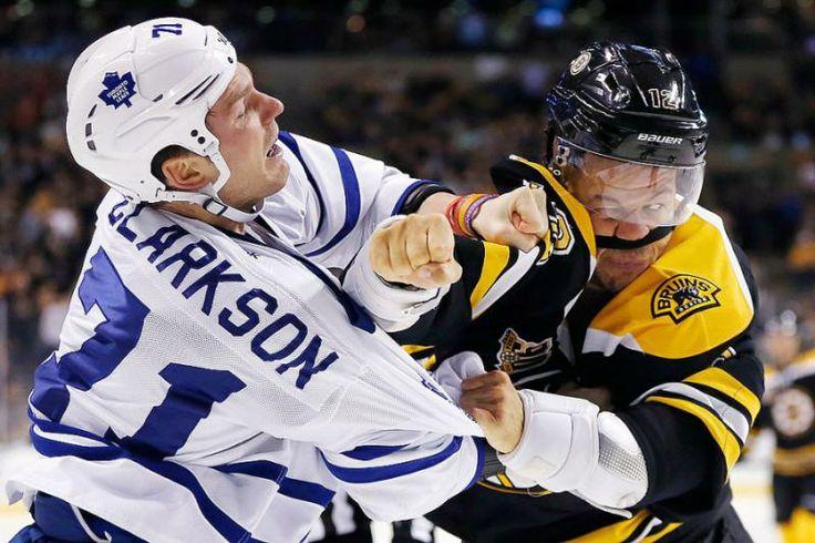 Toronto Maple Leafs' David Clarkson (71) and Boston Bruins' Jarome Iginla