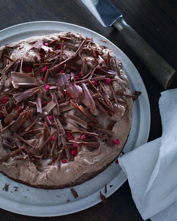 Islagkage med trøffelcreme