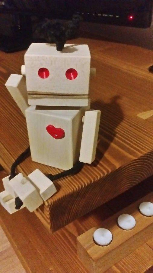 dalo13 / Drevený robot