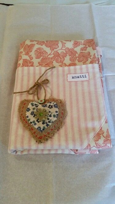 handmade apron with vintage laura ashley fabric & complementary lavender heart
