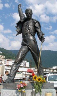 Freddy Mercury (1946 - 1991) Seen this. So incredible, and such an amazing man.
