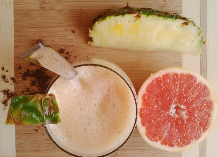 Try this refreshing smoothie with exotic fruits full of vitamin C. No need for honey or other sweetener, thanks to the combination of strong citric sourness of grapefruit and sweetness of pineapple…