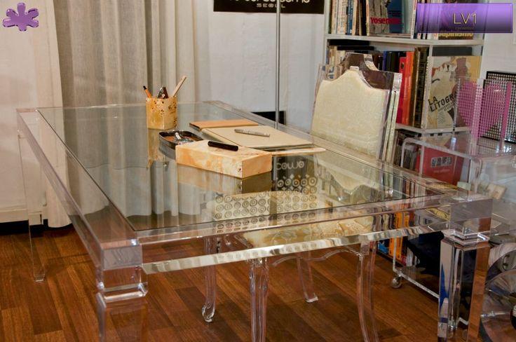 SCRIVANIE E SCRITTOI IN PLEXIGLAS | Scrivania in plexiglass 01. mod.LV1   | Scrivania plexiglass cm.180 x 90 h.76 - telaio sp.mm.60 - gambe sez.mm.80