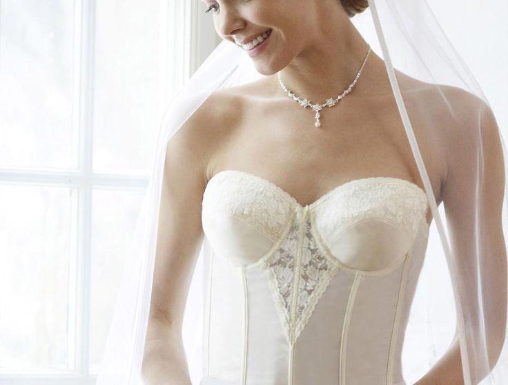 #Korsage für die Braut   Erhältlich bei #LILLY #Hochzeit