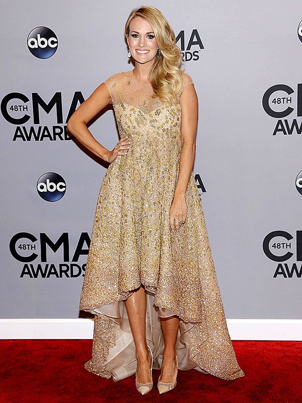 Carrie Underwood Glows on the Red Carpet http://musicinthewomb.com/content/carrie-underwood-glows-on-the-red-carpet