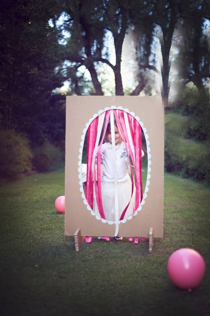 """Magic Mirror"" for bday party h a c e r . a . m a n o"
