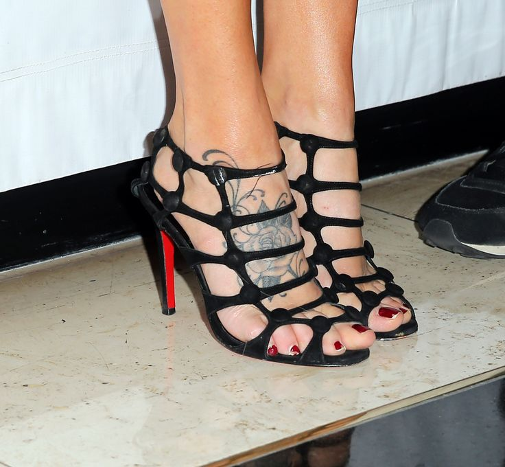 Jenny McCarthy High Heels ...XoXo