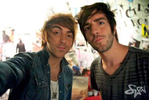 are alex and jack from all time low dating Having dated beatty, allen, al pacino and jack nicholson (he's the devil, she says affectionately), keaton he's one of the most astonishing people in showbusiness, ever i had some low points after a couple of bombs.