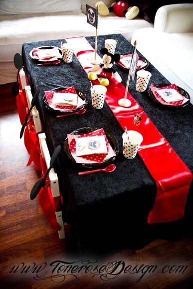 Tablesettings MickeyMouse birthday party =)   Bordekking barnebord Mikke Mus bursdag =)