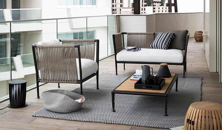 Outdoor furniture: hand woven pieces