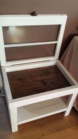 Old window shadow box end table   tables basses   Brantford   Kijiji