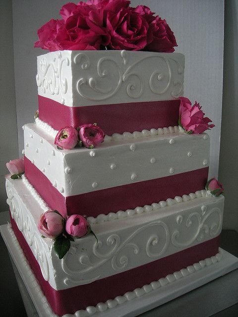 wedding cake- like the design...would add light pink and silver in place of the red
