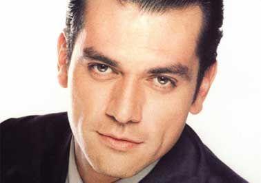 Jorge Salinas- Mexican Adoro a este hombre. Me encanta sus ojos y pelo.