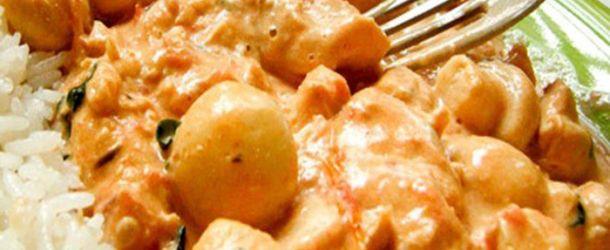 Strogonoff de frango com requeijão