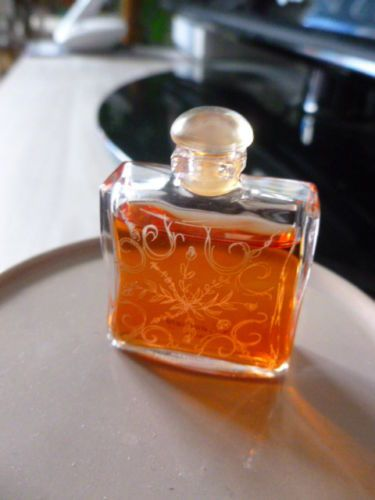 Ancienne-miniature-de-parfum-24-faubourg-dHermes