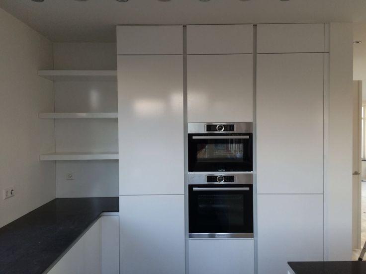 Keuken I Wit I Planken I Greeploos