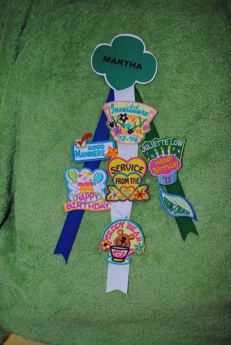 Daisy Girl Scout Patch Presentation Investiture Ceremony .... Given to girls with certificate and membership star.  Bi-monthly patch presentation.  Patches from Snappy Logos.  Excellent site!