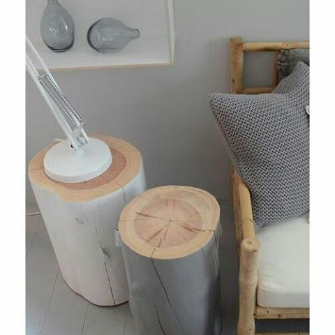Inspiration diy scandinave ! 💡on adore le gris qui contraste le bois brut !!! #inspiration #tendance #theme #scandinave #cocooning #homedeco #charme #idees #decoration #homesweethome #diy #style #ambiance #atmosphere #peinture #gris #bois #brut #coussin