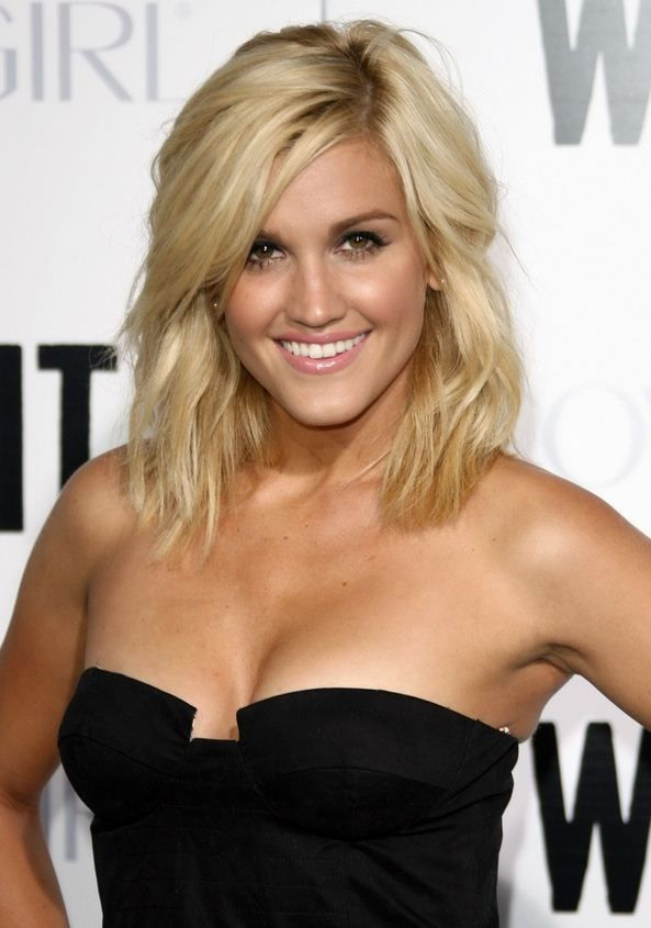 Who is  Ashley Roberts boyfriend?