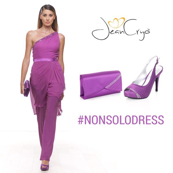 #NonSoloDress... Splendido completo composto da pantaloni e tunica monospalla, con ricamo prezioso sulla scollatura, il nostro consiglio è di completare il look con l'elegante chanel spuntata, tacco 10, e pochette. Entrambi in raso e motivo di strass, della collezione#BiancaBrandiShoesandBags 2014.  #dress #look #outfit #shoes #bags #style #stile #moda #abito #summer #eleganza #abitodasera #lookbook #chic #collezione #estate